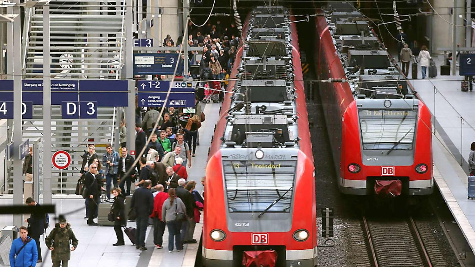 Der deutsche Arbeitsmarkt zieht an: Die Deutsche Bahn sucht mit einer neun Kampagne händeringend nach neuen Mitarbeitern.