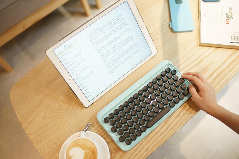 Schreiben wie früher – Lofree Tastatur macht's möglich