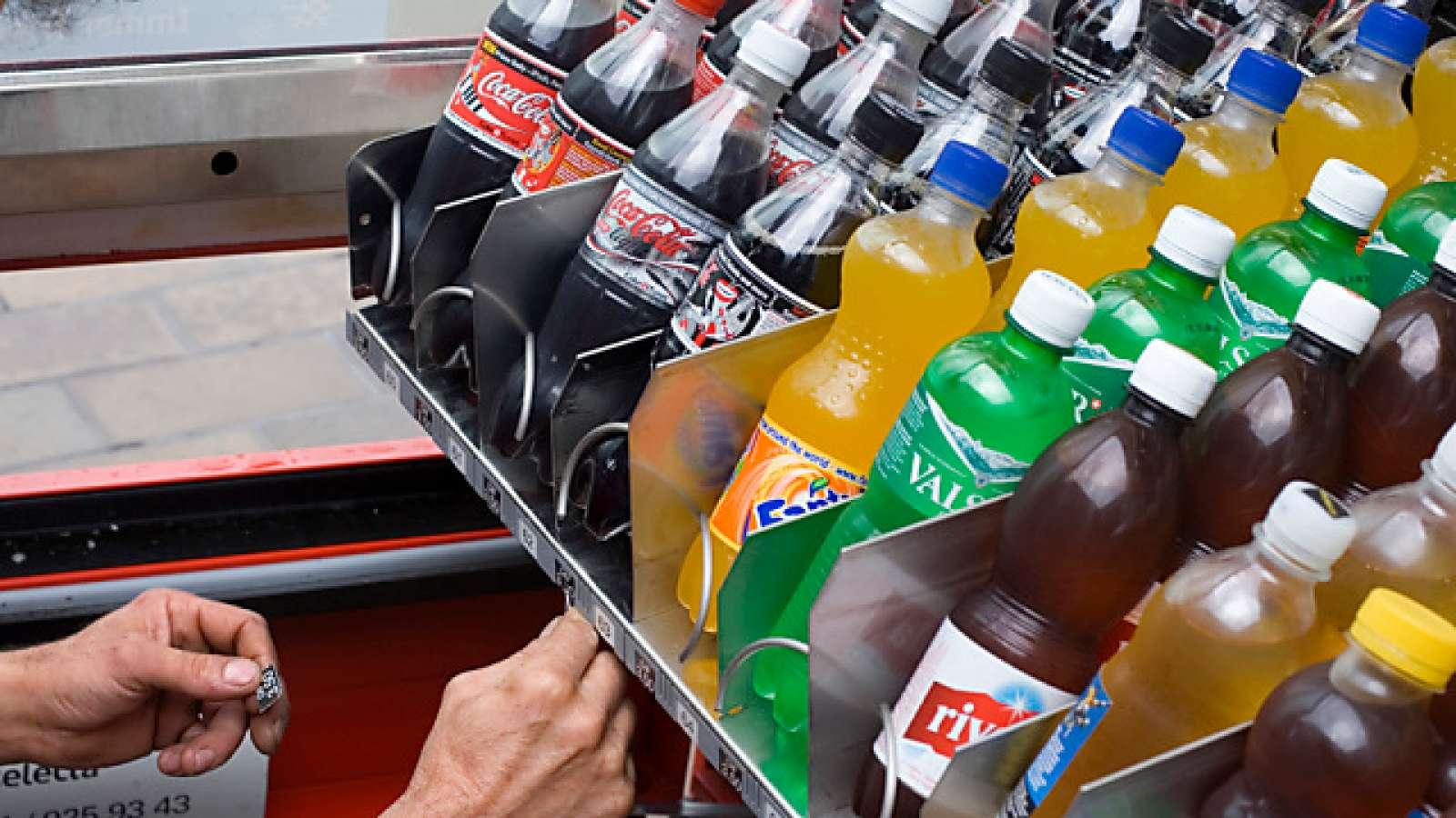 Romands wollen Aufschlag für Süssgetränke: Migros und Coop sauer ...