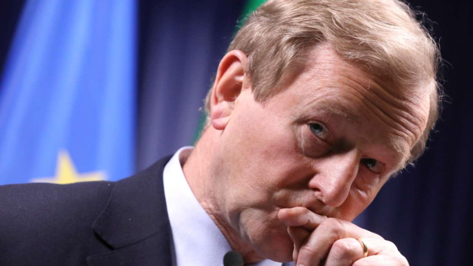 Enda Kenny legt seine Ämter als irischer Regierungschef und Fine-Gael-Vorsitzender ab (Archiv)
