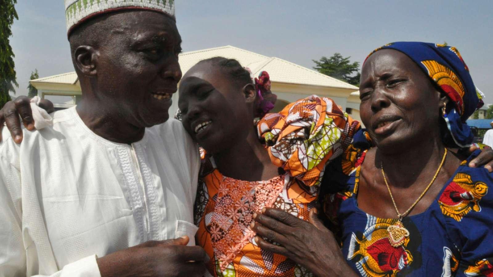 Wiedervereinigung am Samstag in Abuja - es gab innige Umarmungen, Schluchzen und Freudentränen.